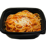 Спагетти с куриным филе в томатном соусе