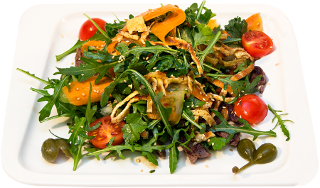 Теплый салат сговядиной иострыми овощами